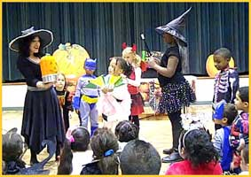 Halloween magician Daisy Doodle has a dramatic finale to her childrens halloween magic show.
