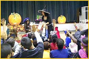 contact halloween magician daisy doodle for expert childrens halloween birthday party magic entertainment and kids halloween - Brooklyn Halloween Party