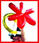 Kids entertainer Daisy Doodle does balloon art for childrens parties in new york