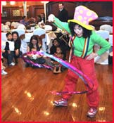 Entertainer Daisy Doodle performing for kids at toddler childrens party in ny