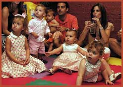 Babies, infants and toddlers enjoy Daisy Doodle's Teeny Toddler show at this party for baby's 1st birthday in New York City.